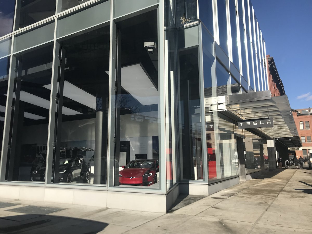 Tesla Opens New York Store for Solar, Cars and Storage